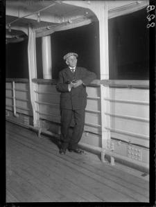 Gago Coutinho no vapor que o há-de levar ao Rio de Janeiro (o vapor é o Lutetia1927-01-24